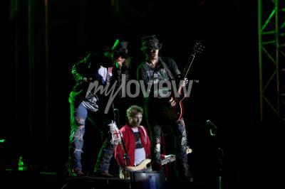 Carta da parati Guns N 'Roses esegue al Festival Musicale EXIT 2012